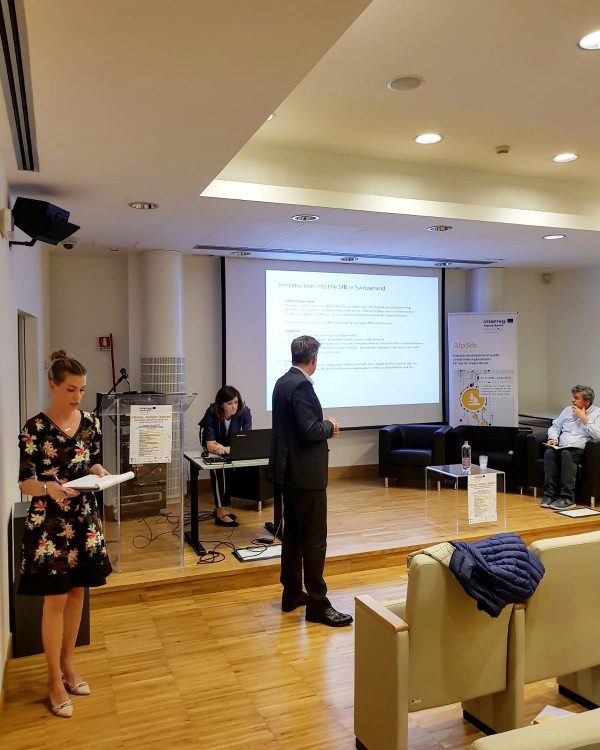 Interpretación consecutiva | La dimensión social de Europa – Social Impact Bonds